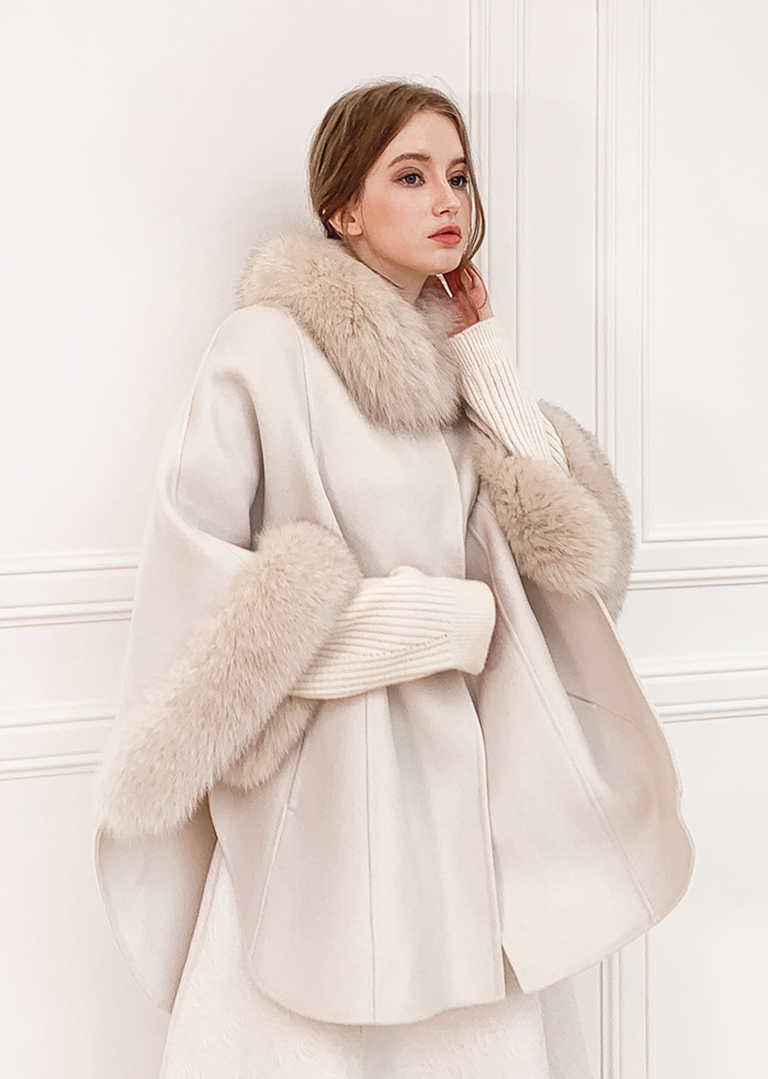 Wool 100% Fox Fur Cape Coat (Ivory)