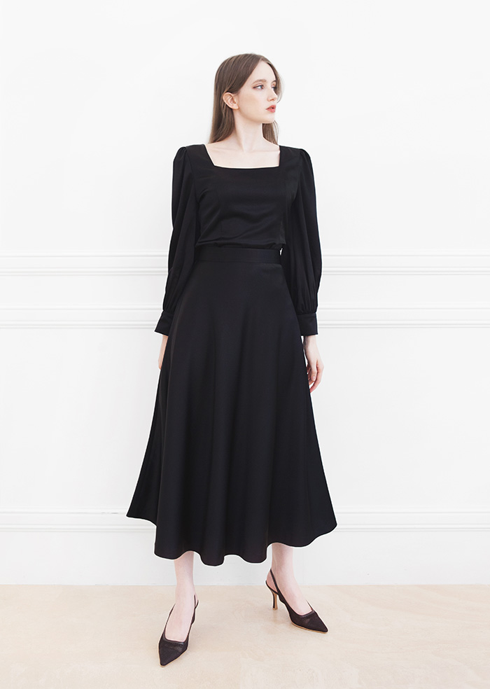 Julia Flare Skirt (Black)