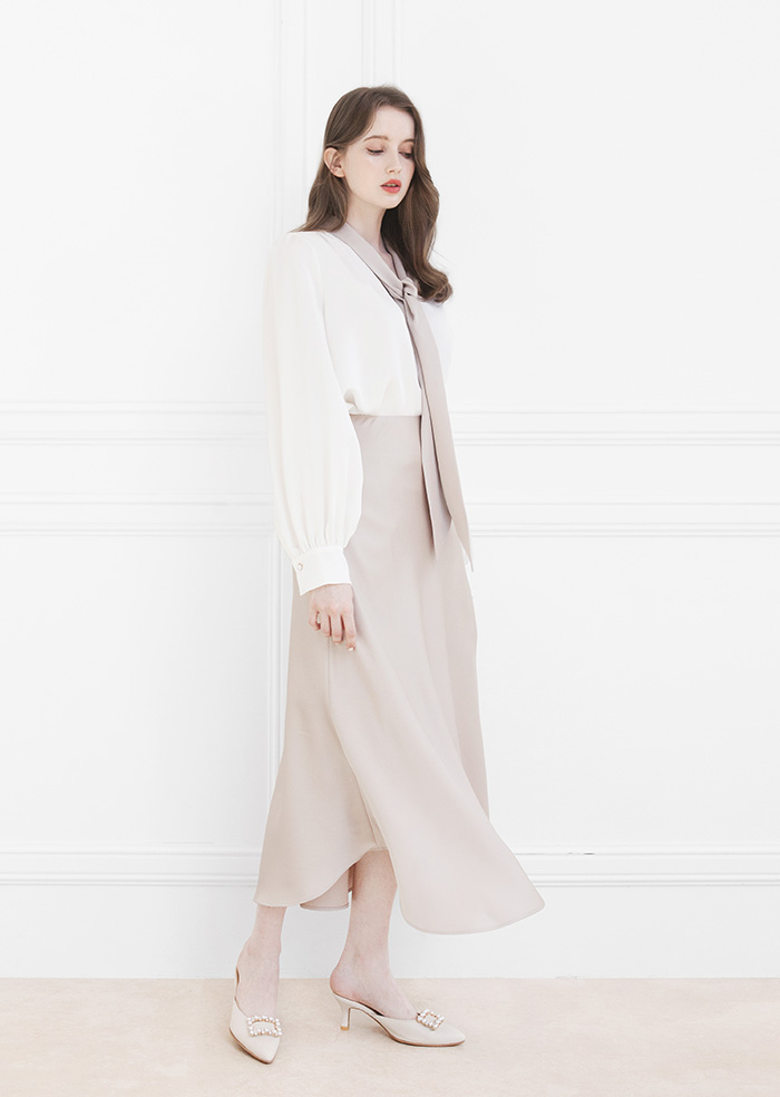 Gloria Slim-Fit Skirt (Beige)