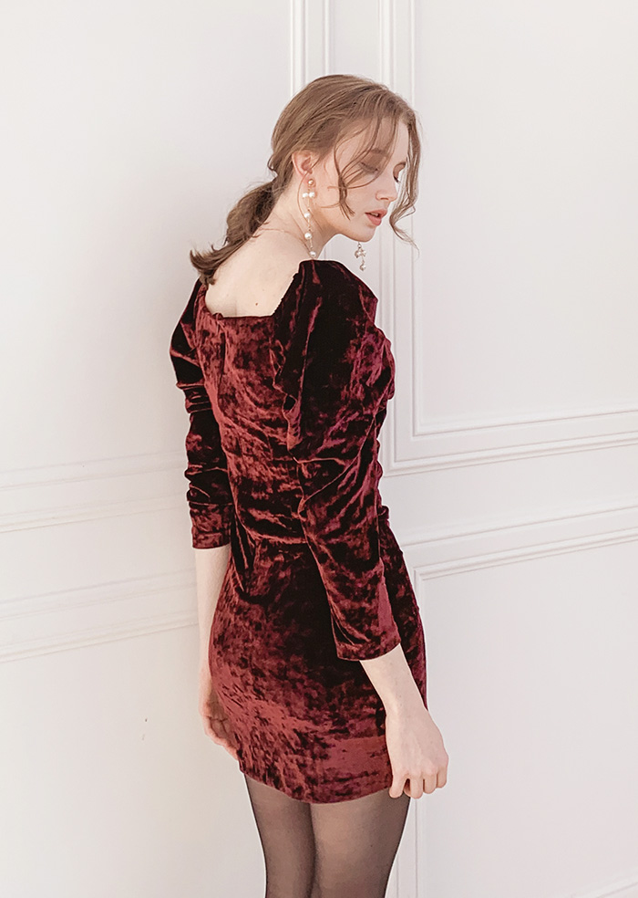 Velvet Shirring One-piece (Burgundy)